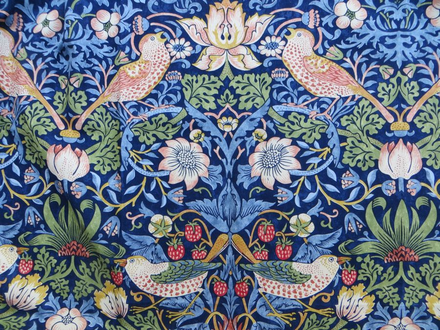 william morris stoff strawberry thief fr hlich wohnen berlin. Black Bedroom Furniture Sets. Home Design Ideas